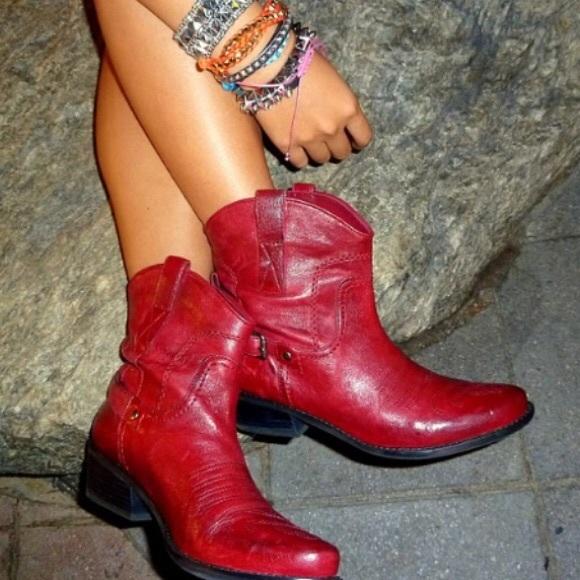 f5aff9180bc Franco Sarto Waco Red Short Cowboy Boots Size 9
